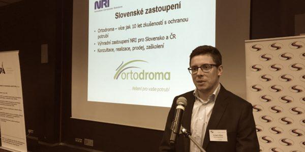 Grzegorz Major při své přednášce